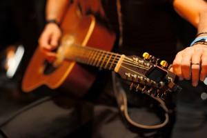 Tuning-Guitar-ccMarcus-Holland-Moritz-300x200.jpg